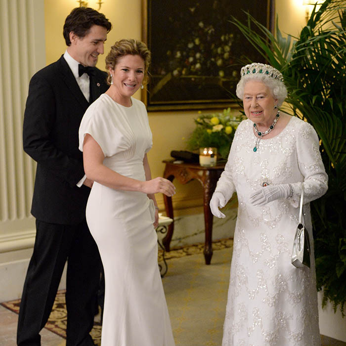 <p> Days after her husband, Justin Trudeau, had his moment with the Queen, Sophie Grégoire had the pleasure of meeting the monarch ahead of the CHOGM dinner on the opening day of the Commonwealth Heads of Government Meeting in Malta. </p>