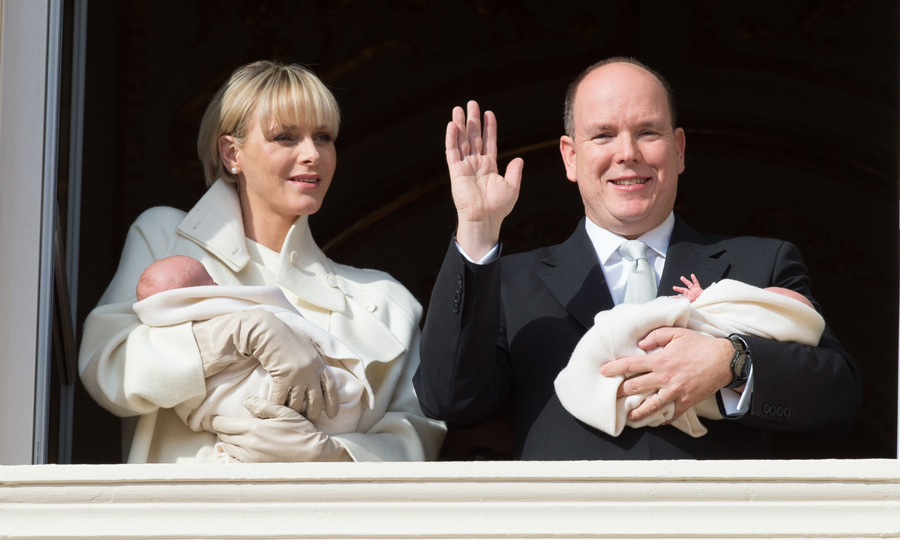 For their official presentation to the public, the proud parents made a balcony appearance with the babies on Jan. 7, 2015, with the day declared a national holiday.
