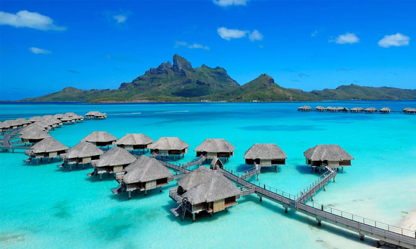 <p><strong>Four Seasons, Bora Bora</strong><br>