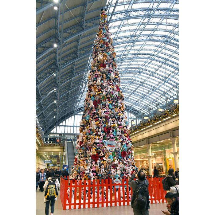 The world's biggest Disney Junior soft toy Christmas tree has been created using 2,000 soft toys and stands in London at St. Pancras train station.