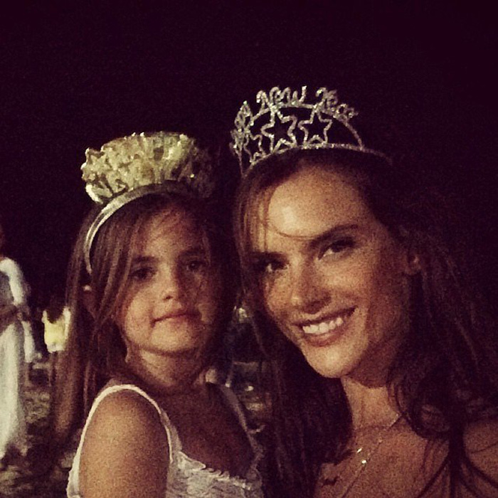 Victoria's Secret angel Alessandra Ambrosio said farewell to 2014 with her daughter Anja and the rest of her family in her native Brazil. 