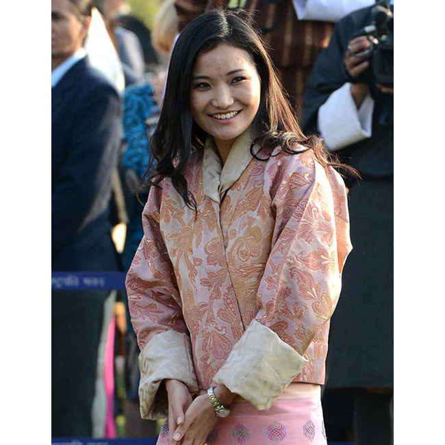 The Bhutanese queen turned heads at the 64th Republic Day parade in New Delhi in 2013, wearing her glossy black tresses down for effortless daytime glamour.