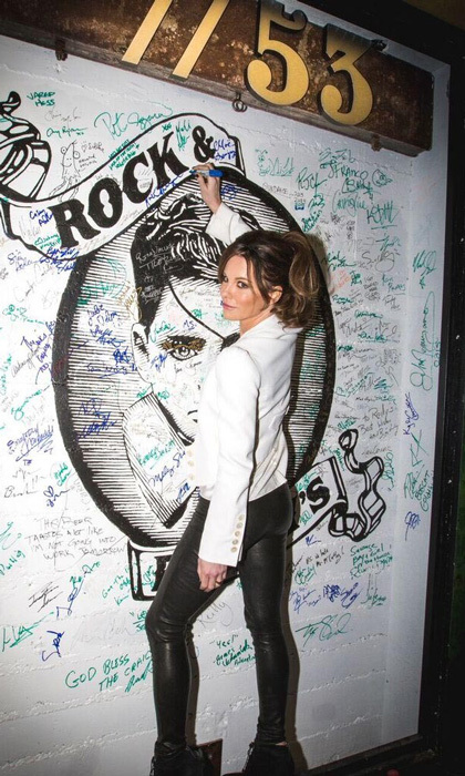 January 23: Autograph status! Kate Beckinsale signed the wall at Bar 53 at Rock & Reilly's and 50 Bleu Lounge during the Sundance Film Festival.