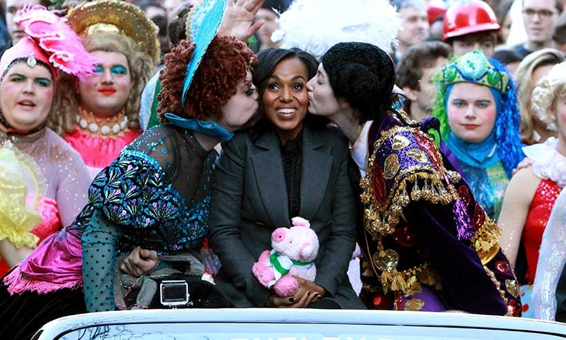 Harvard paraded their Hasty Pudding Theatricals 2016 Woman of the Year, Kerry Washington, through the streets of Cambridge. 