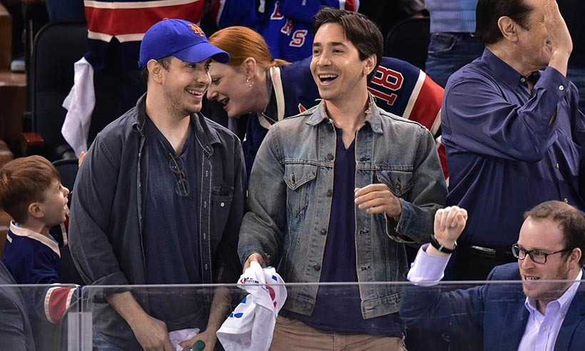 Justin Long and his brother Christian spent some quality time at the Washington Capitals vs New York Rangers playoff game in New York on May 2, 2015. (Photo: Getty Images)