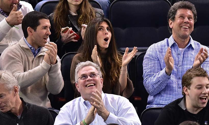 Jamie-Lynn Sigler wore her excitement on her face at a Pittsburgh Penguins vs New York Rangers playoff game at Madison Square Garden in April 2015. (Photo: Getty Images)