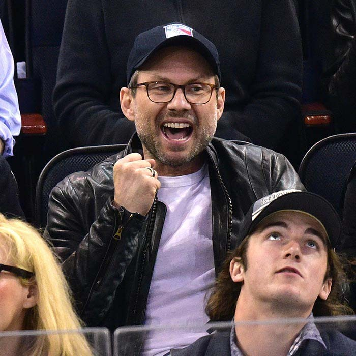 Christian Slater liked what he saw as the Tampa Bay Lightning and the New York Rangers played off on May 18, 2015 in New York. (Photo: Getty Images)
