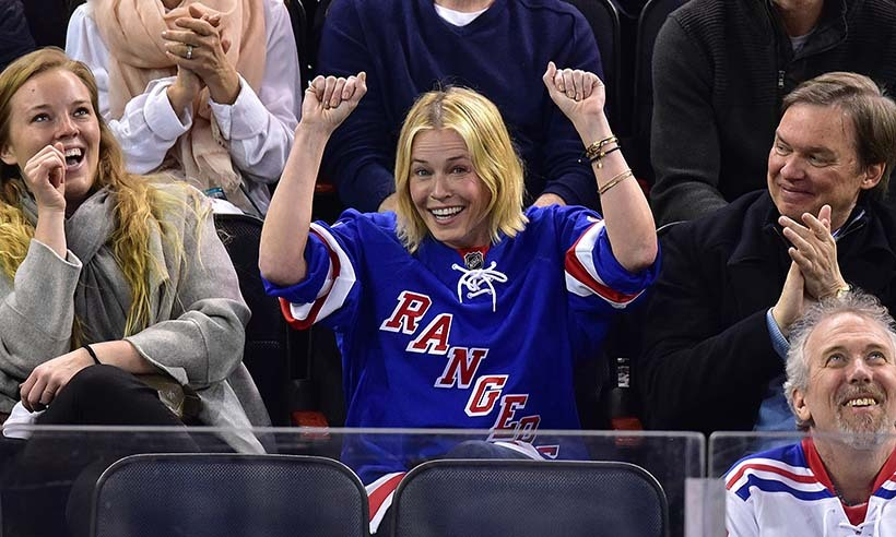 Chelsea does...hockey! The hilarious author and TV personality showed her fun side in April 2015 as the New York Rangers gave it their all against the Pittsburgh Penguins. (Photo: Getty Images)
