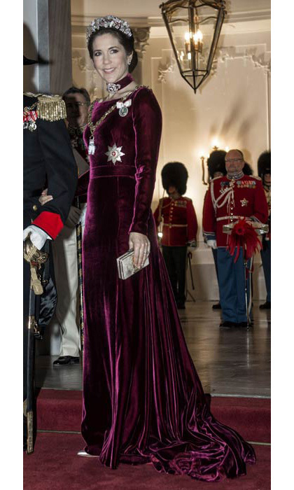 This high-fashion ensemble in rich, berry velvet and on-trend matching choker at the 2014 New Year Banquet at Amalienborg Castle won't soon be forgotten. 