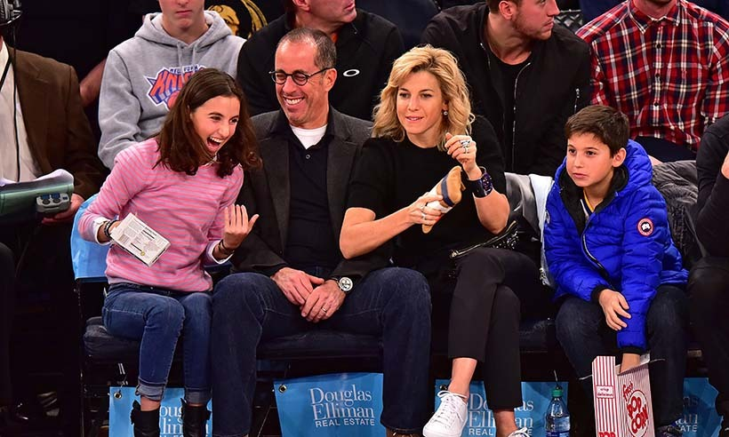 Jerry Seinfeld and his beautiful family enjoyed some courtside laughs at the New York Knicks game on Jan. 31. 