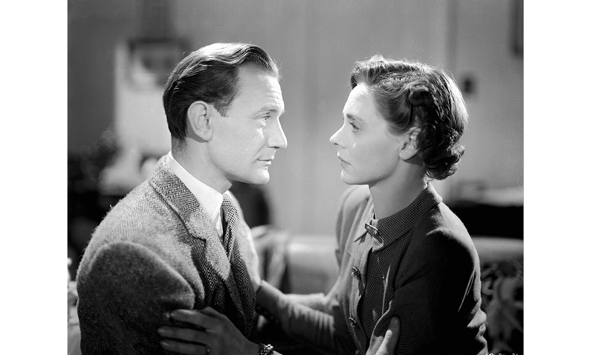 <strong><em>Brief Encounter</em></strong>