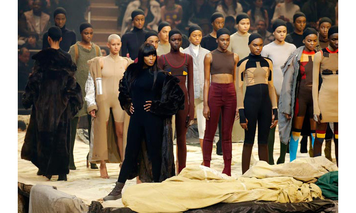 Supermodel Naomi Campbell lead the army of models at the fashion show.