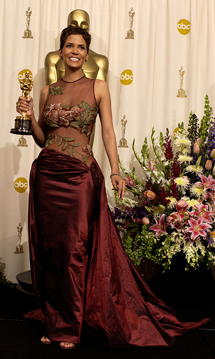 <strong>Halle Berry</strong>