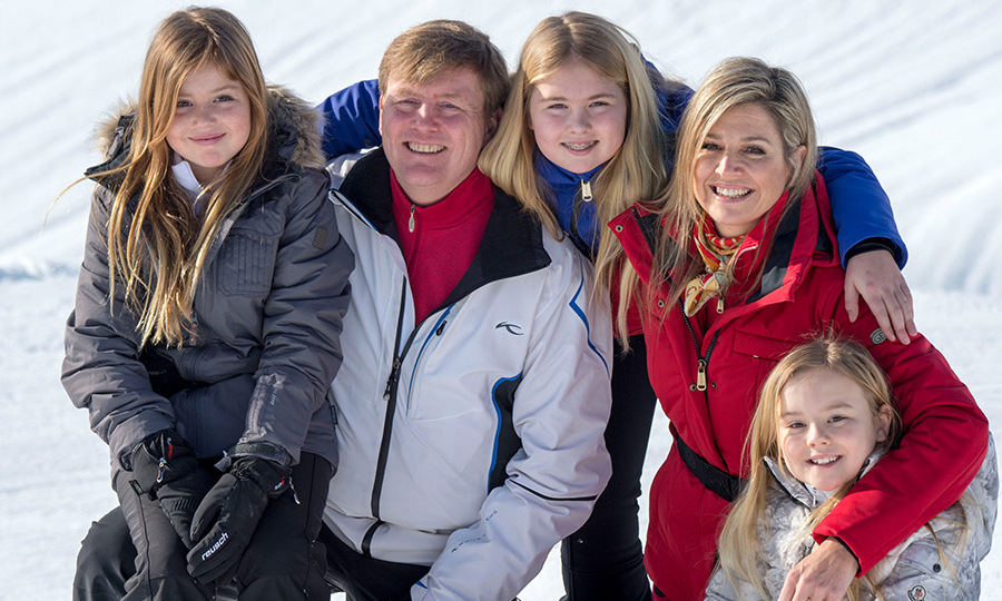 Princess Alexia, King Willem-Alexander, Crown Princess Catharina-Amalia, Queen M&aacute;xima and Princess Ariane. 