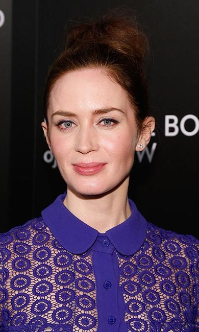 All eyes were on the <em>Sicario</em> star as she stepped out for the 2015 National Board of Review Gala, her hair swept up into a high bun, and rocking blue eyeliner to complement her lace royal blue gown.<br>