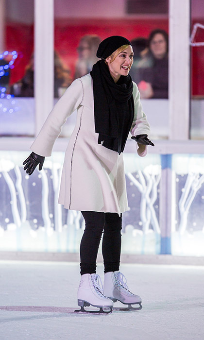 Kate Winslet showed off her skills on skates while filming her new movie <i>Collateral Beauty</i> in New York.