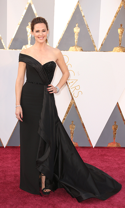 <h2>THE COOL SHOULDER</h2>