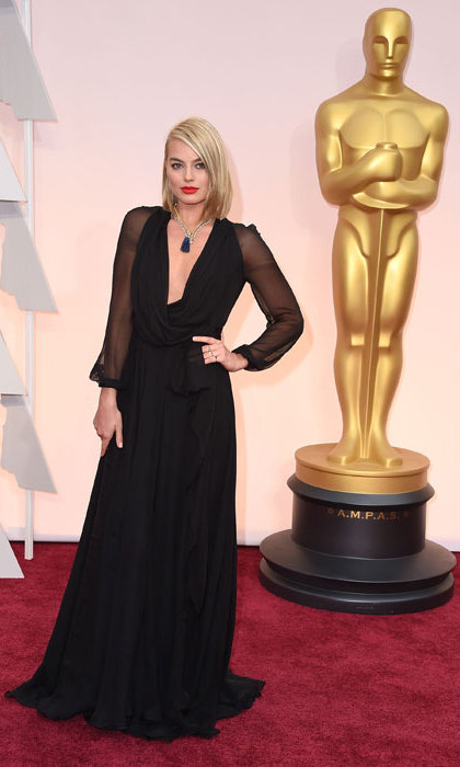 Simple but oh so chic at the Oscars 2015 in Saint Laurent.
