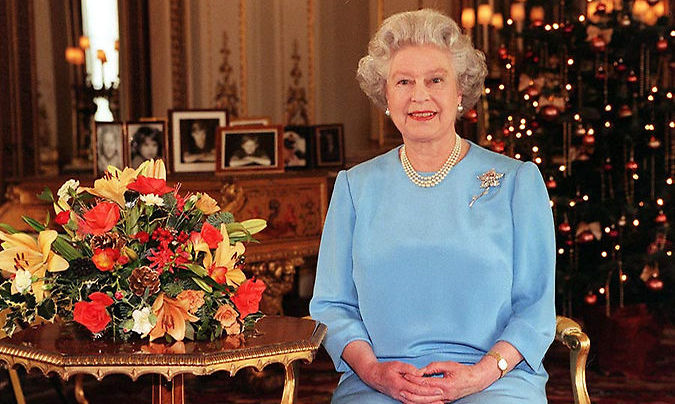 <h2>Sharing her mother's wisdom and advice during the Christmas speech in 1998</h2>