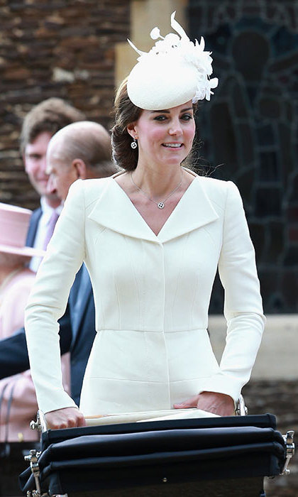 <h4>Mappin & Webb drop earrings</h4>