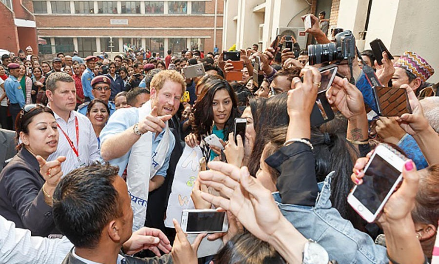 Prince Harry greeted members of the public before entering the Kanti Children's Hospital. 