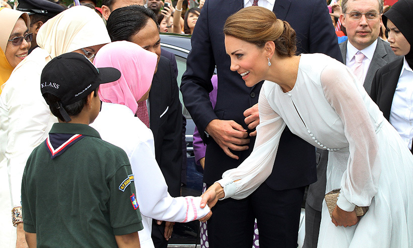 Kate, dressed in silk Beulah London, charmed those who waited to catch a glimpse of the royal during her visit to the KLCC garden in Kuala Lumpur. 