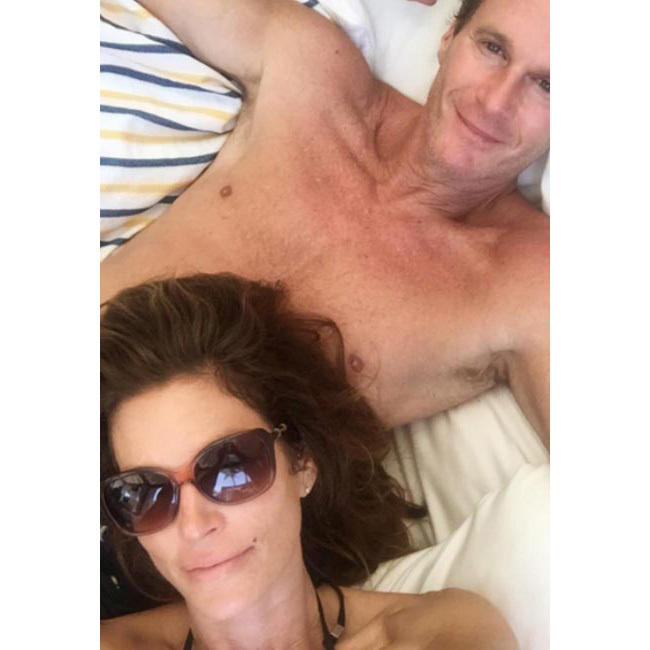<strong>Smile - and look sultry
