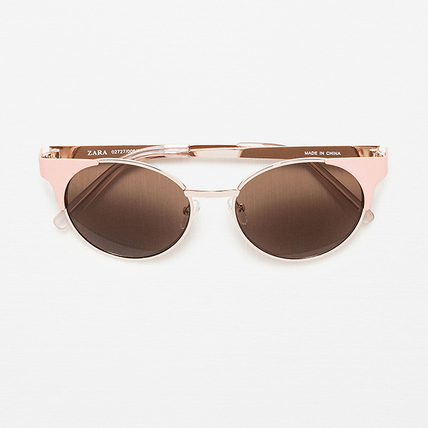 "Round Metallic Sunglasses, $25.90, <a href=""http://www.zara.com/ca/en/woman/accessories/view-all/round-metallic-sunglasses-c719013p3239338.html"">zara.com</a>"