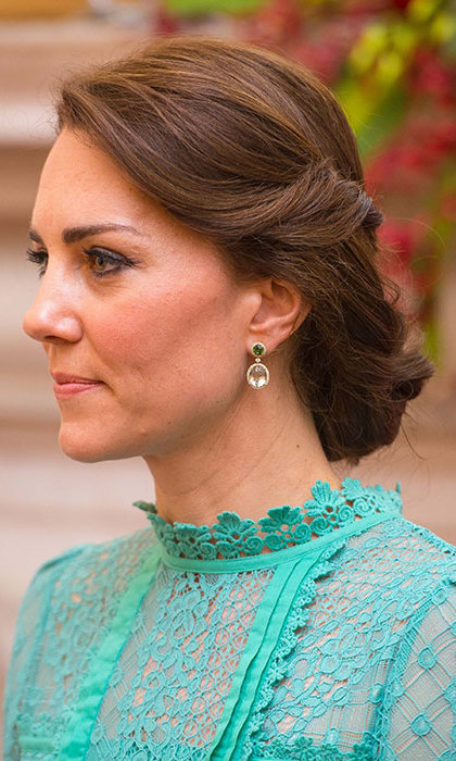Kate Sports Trendy Updo To Meet Prime Minister Of India In