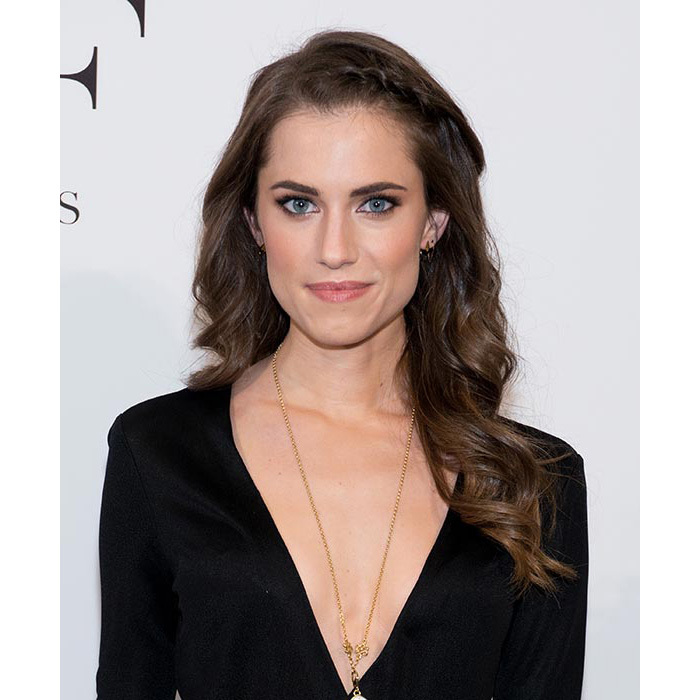 Allison Williams went for a boho chic vibe at the DVF awards, stealing the show with her cascading loose curls teamed with a chic side braid, and opting for pale pink lips and a hint of smokey eye make-up.