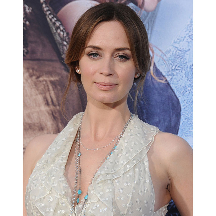 Emily Blunt was the epitome of elegance for the premiere of <em>The Huntsman: Winter's War</em>, sweeping her hair back into a low chignon, paired with winged eyeliner for a classic beauty look.
