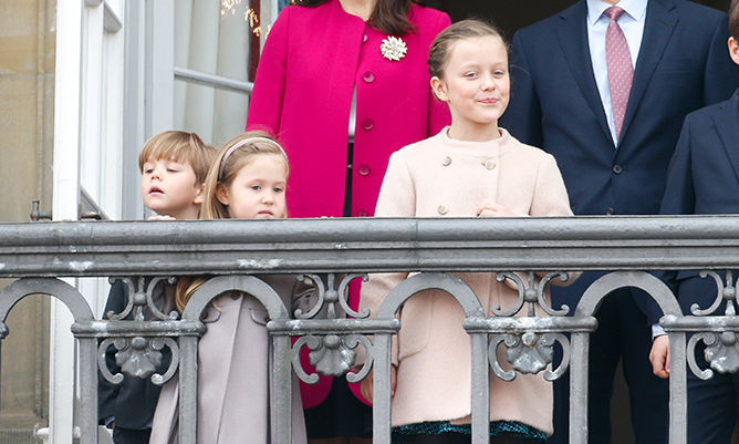 Little Vincent and Josephine check out the crowds outside of the palace. 