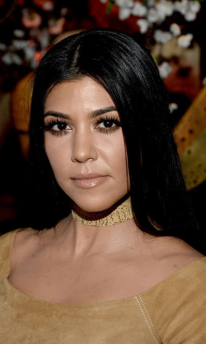 Kourtney turned heads at an alice+olivia presentation with a dewy, fresh-faced complexion, paired with shimmering eyeshadow and glossy lips for a dazzling finish.