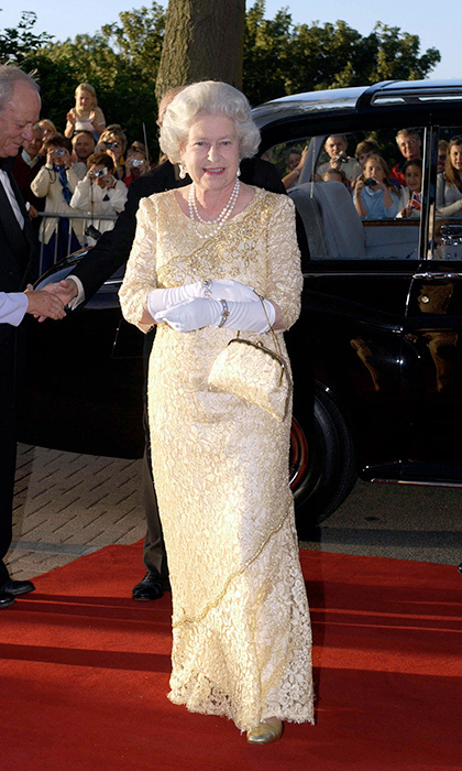 <h2>FROM HEAD TO TOE</h2>