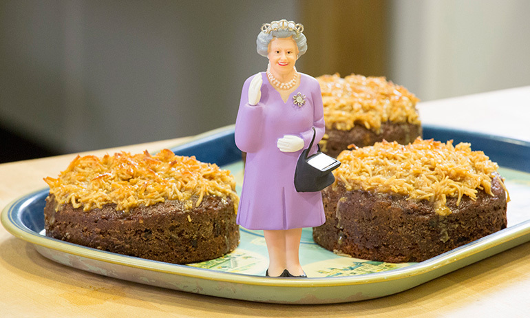 How to make Queen Elizabeth cake