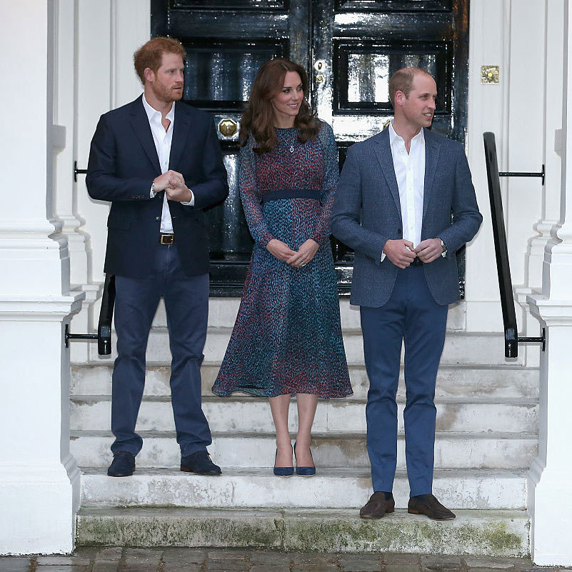 Prince Harry, Kate and Prince William awaited the arrival of the President of the United States and First Lady to their at home at Kensington Palace.
