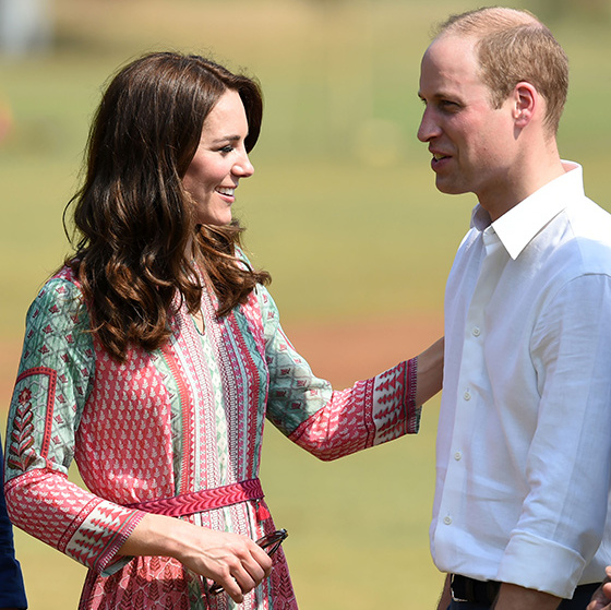 <p>The couple also took part in a game of cricket with locals at the Oval Maidan in Mumbai.
