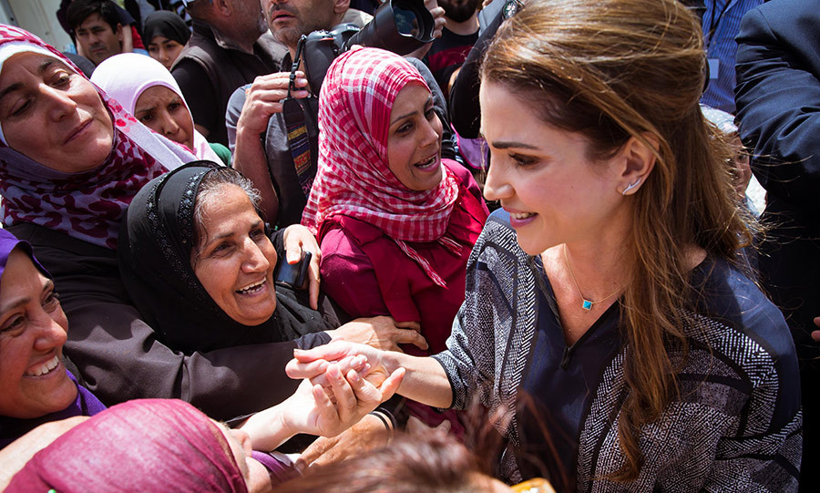Queen Rania of Jordan paid an emotional visit to the Kara Tepe refugee camp on the Greek island of Lesbos.