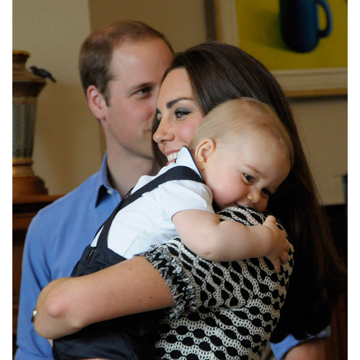 <strong>Kate and Prince George's special playdate session: April 2014