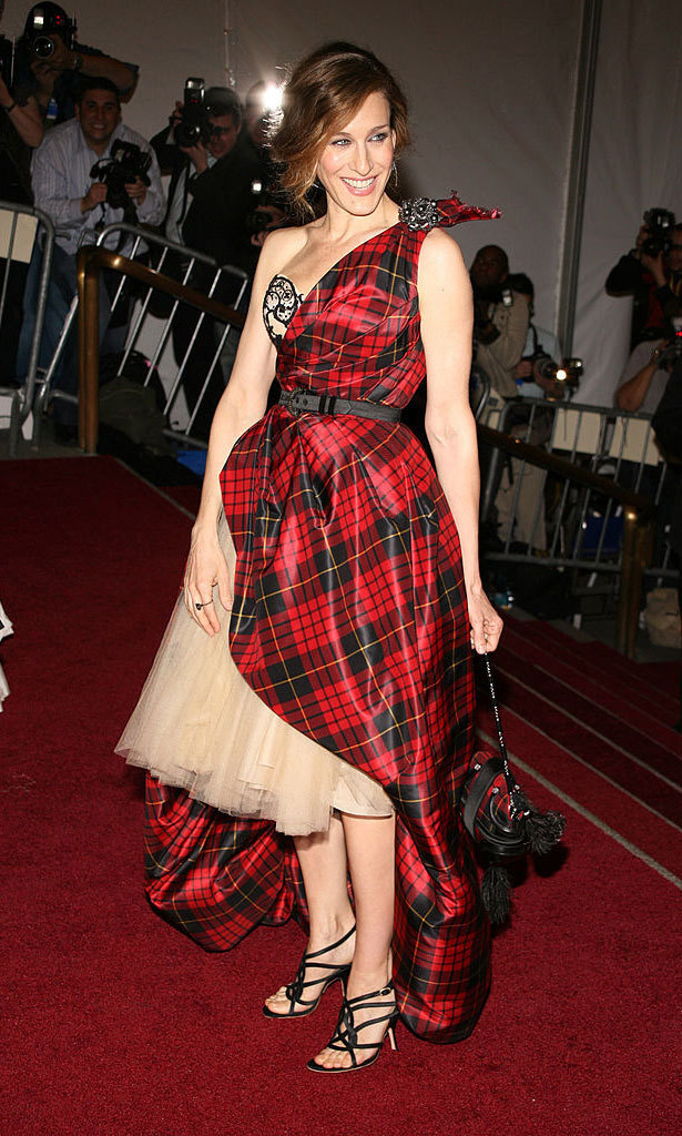 <strong>2006, AngloMania: Tradition and Transgression in British Fashion</strong><br>Sarah Jessica Parker, Alexander McQueen