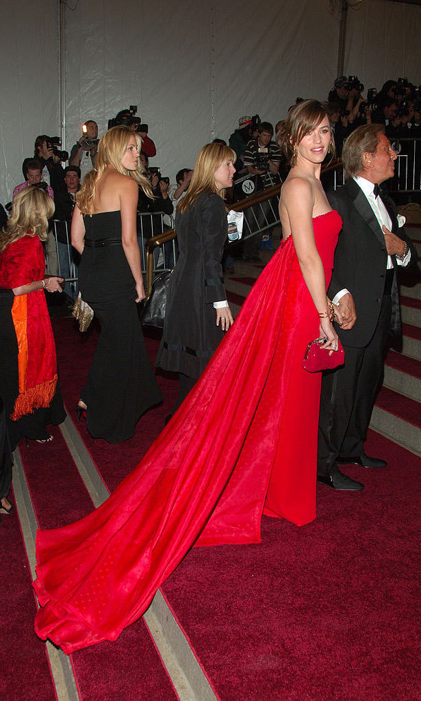 <strong>2007, Poiret: King of Fashion</strong><br>Jennifer Garner in Valentino