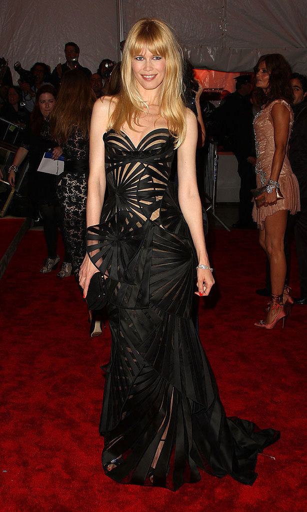 <strong>2009, The Model As Muse: Embodying Fashion</strong><br>Claudia Schiffer, Versace