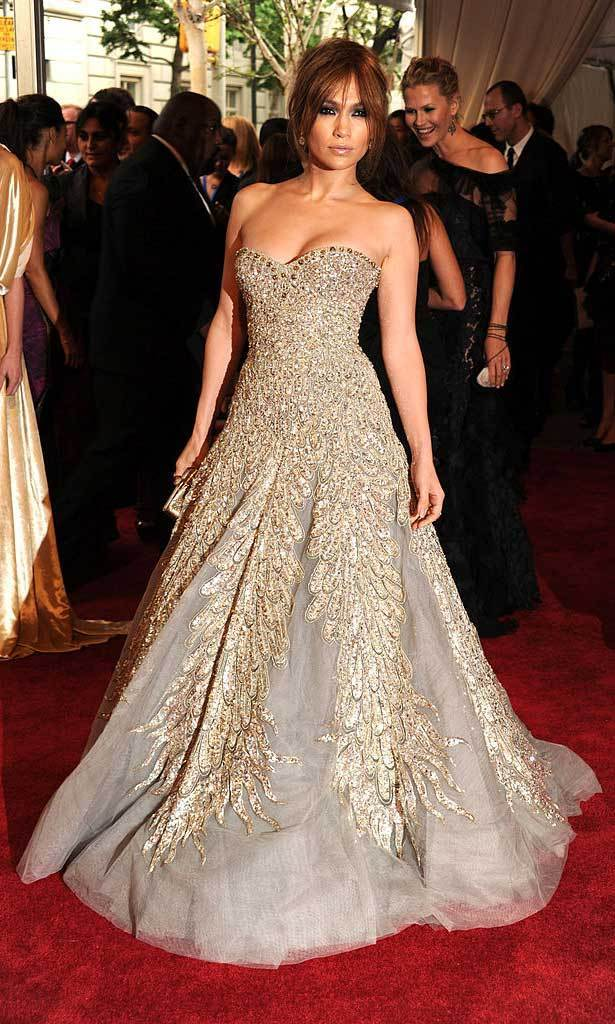 <strong>2010, American Woman: Fashioning a National Identity</strong><br>Jennifer Lopez in Zuhair Murad