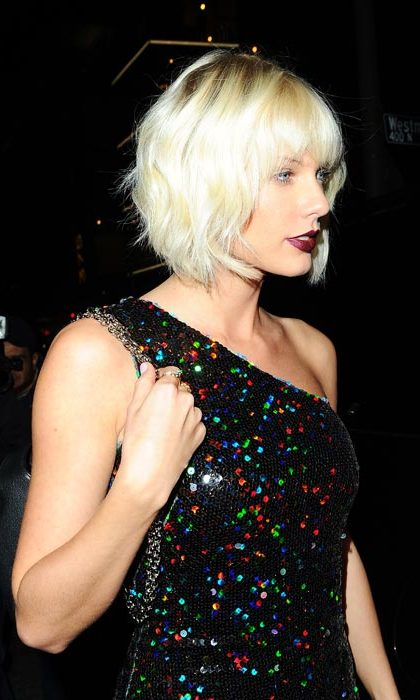 Taylor Swift was in attendance, showing off her new bright blonde bob.
