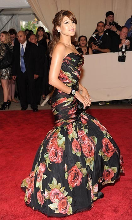 <strong>2010: American Woman: Fashioning a National Identity</strong>