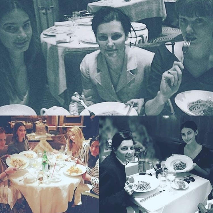 """Met tradition pasta lunch !!! @lilyaldridge""<br>We also spot Gigi Hadid and Karen Elson in one of the photos, plus Linda Evangelista in another!<br>Photo: © Instagram/@tabithasimmons"