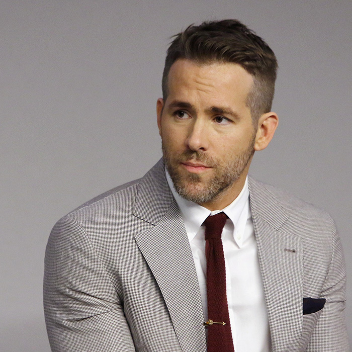 <h3>RYAN REYNOLDS</h3>