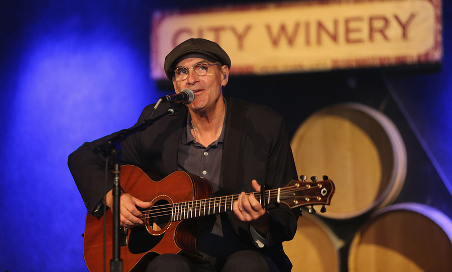 <h3>JAMES TAYLOR</h3>