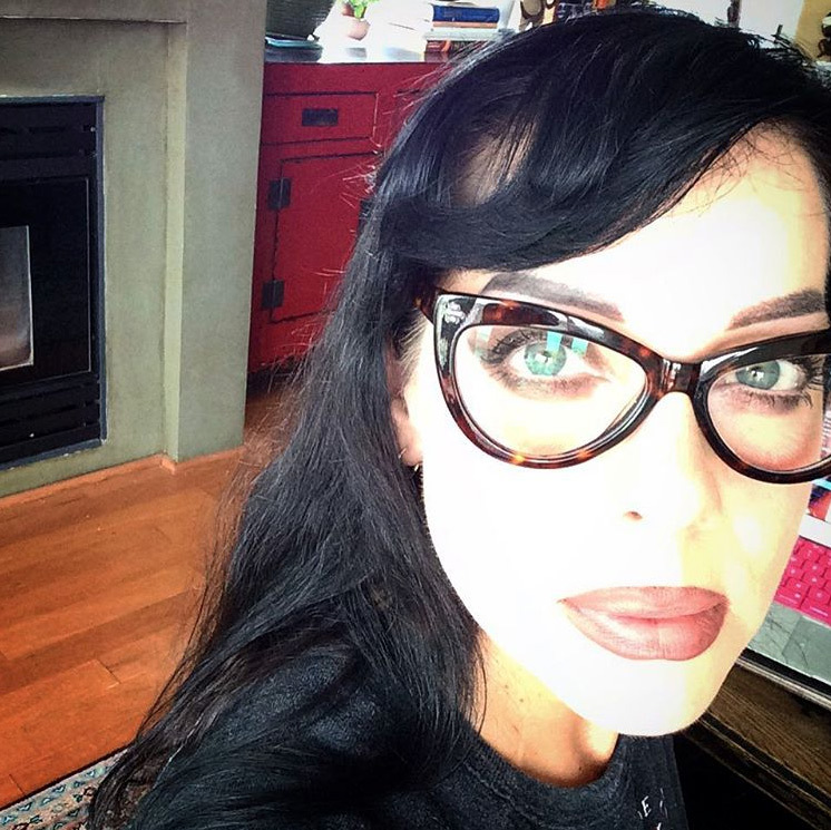 <h3>BIF NAKED</h3>