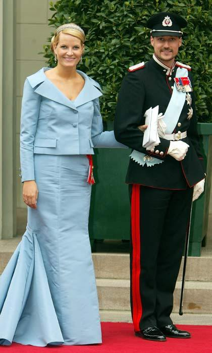 On the morning of May 14, 2004, royal guests started to arrive at Copenhagen Cathedral for the wedding of Crown Prince Frederik and Australian native Mary Donaldson. Among the first guests to arrive were Crown Prince Haakon of Norway and his wife Princess Mette-Marit.